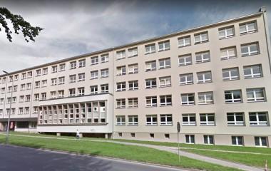 Fotografia przedstawia budynek Centrum Usług Społecznych