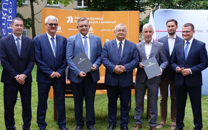 Na zdjęciu Prezydent Koszalina i ministrowie