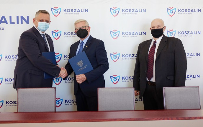 Podpisanie listu intencyjnego w sali 300 Urzędu Miejskiego w Koszalinie