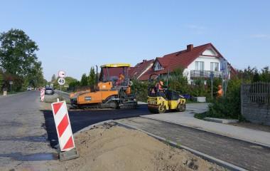 Na zdjęciu remontowana ul. Dzierżęcińska w Koszalinie